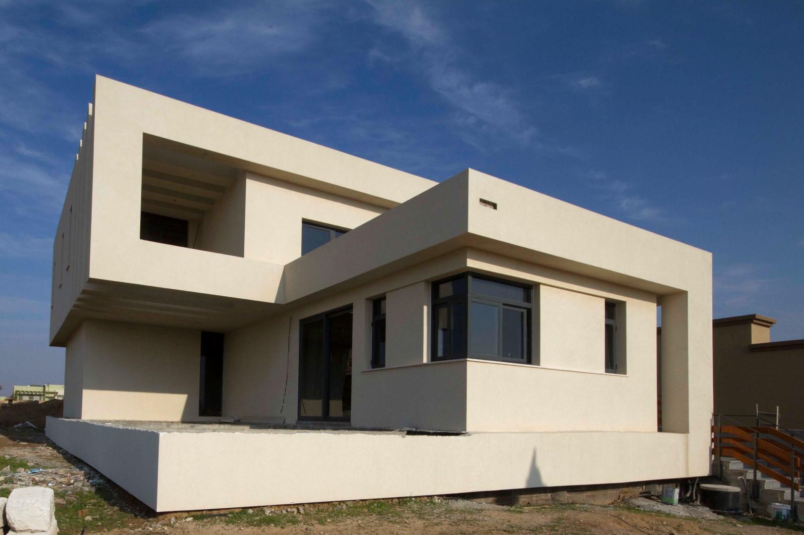 """תכנון אדריכלי לבית על עקרונות אדריכלות ירוקה - קירות בעובי 50 ס""""מ"""